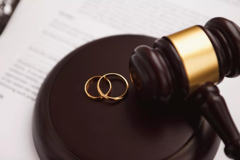 Some Important Benefits of Hiring a Divorce Lawyer